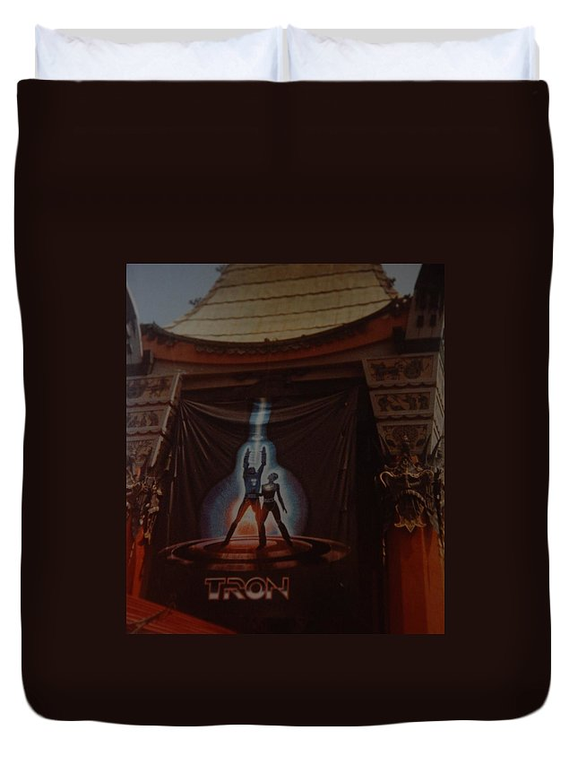 Grumanns Chinese Theater Duvet Cover featuring the photograph Tron by Rob Hans