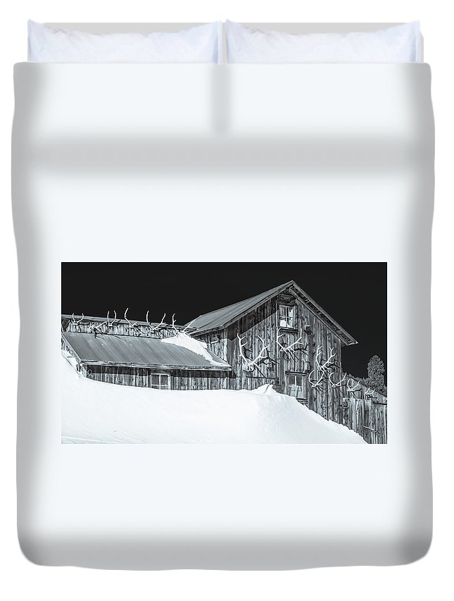 Historic Barns Duvet Cover featuring the photograph Trophies Mounted On Nostalgia, Selenium Tone by Bijan Pirnia