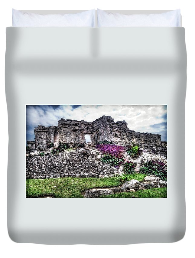 Tulum Duvet Cover featuring the photograph Tulum Temple Ruins No.2 by Tammy Wetzel