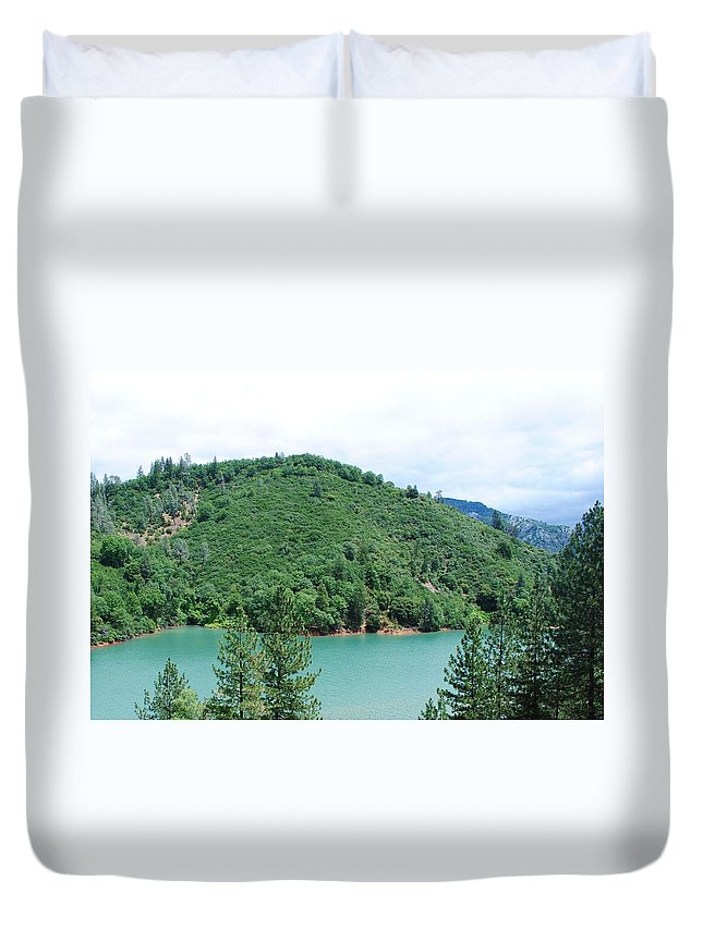 Lake Shasta Duvet Cover featuring the photograph Turquoise Waters by Katy Granger