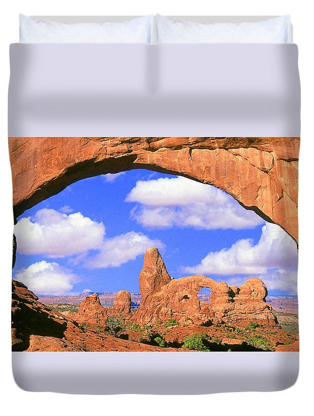 Turret Duvet Cover featuring the photograph Turret Arch, Arches National Park by Buddy Mays