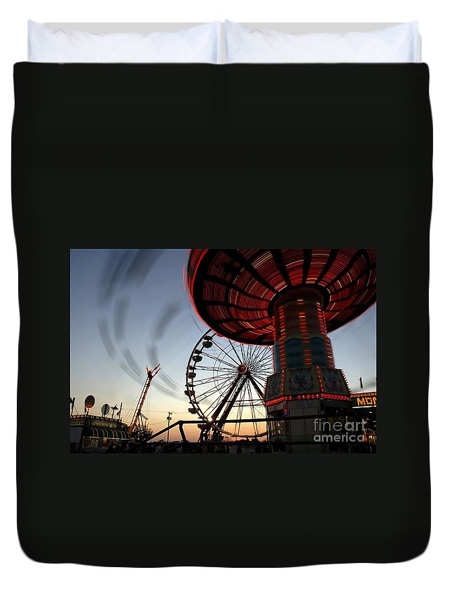 Fair Duvet Cover featuring the photograph Twirling Away by David Lee Thompson