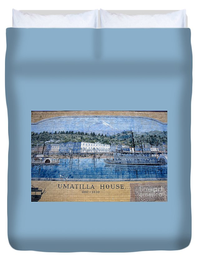 Umatilla House Dalles Oregon Duvet Cover featuring the photograph Umatilla House 1857 - 1930 by David Lee Thompson
