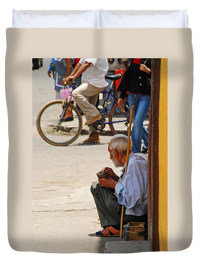 Beggar Duvet Cover featuring the photograph Un Peso Por Favor by Skip Hunt