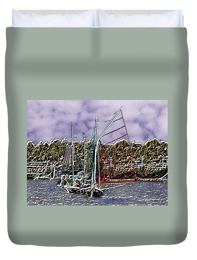 Seattle Duvet Cover featuring the photograph Union Sail by Tim Allen