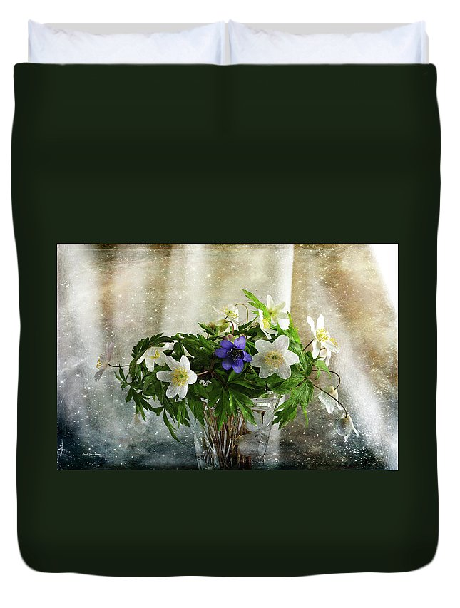 Perennial Duvet Cover featuring the photograph Unique And Cool by Randi Grace Nilsberg