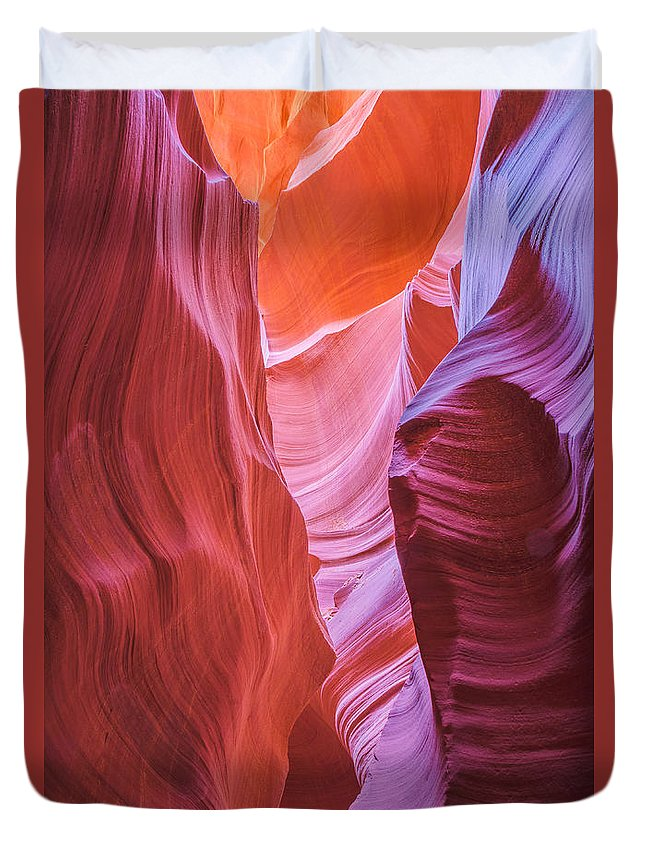 Antelope Canyon Duvet Cover featuring the photograph Upper Canyon 31 by Larry White