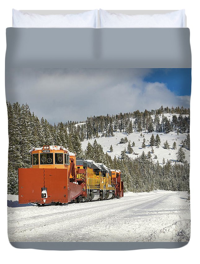 Donner Pass Duvet Cover featuring the photograph Uprr Jordan Spreaders Spmw 4031 And Spmw 4033 At Soda Springs by Jim Thompson