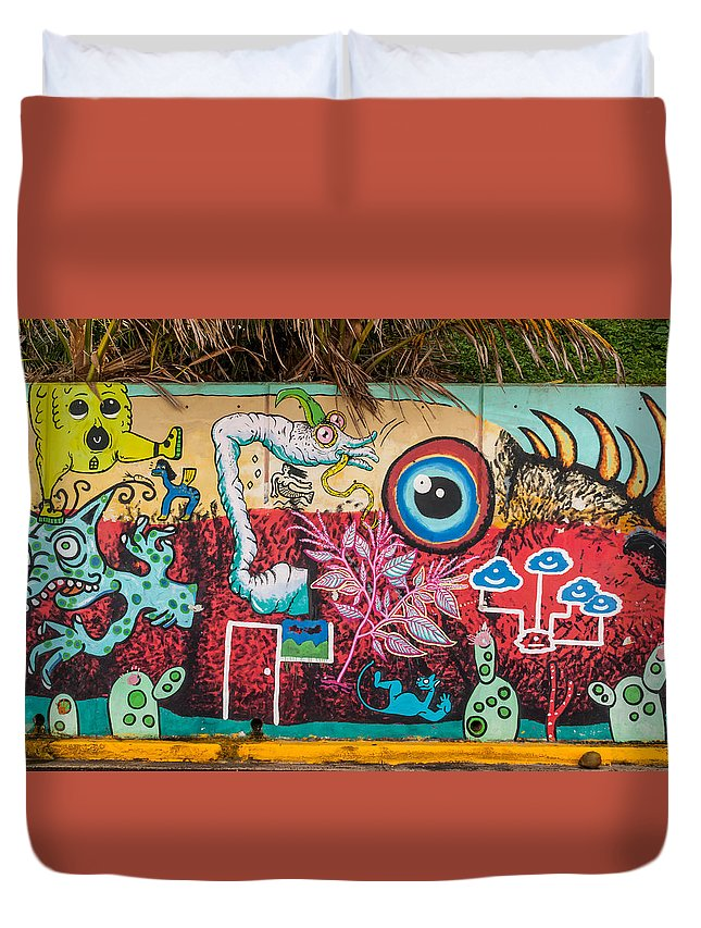 Wall Duvet Cover featuring the photograph Urban Art 5 by Jenifer Kim
