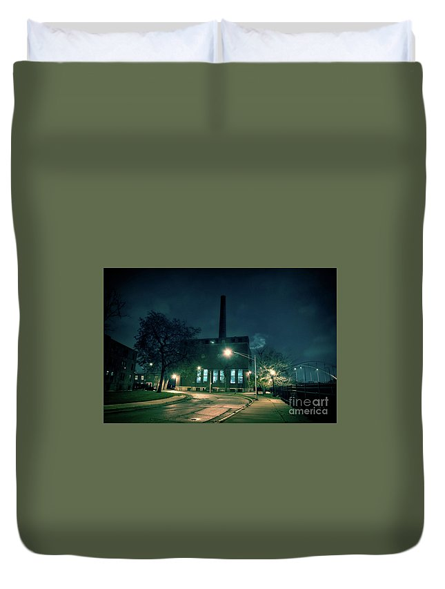 Building Duvet Cover featuring the photograph Chicago Urban Industrial Night Scenery by Bruno Passigatti