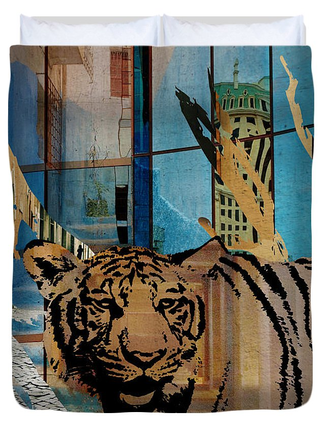 Urban Duvet Cover featuring the mixed media Urban Wildlife by Ruta Naujokiene