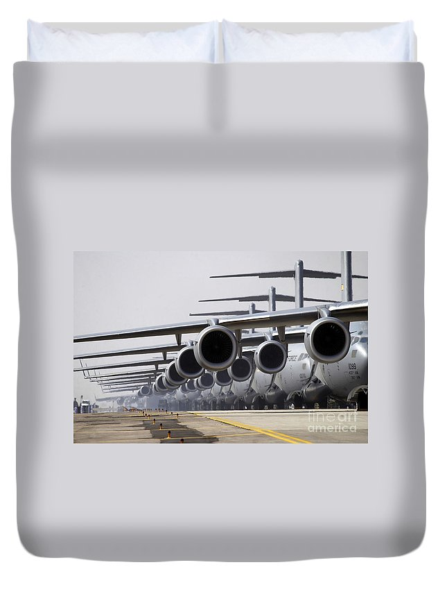 Color Image Duvet Cover featuring the photograph U.s. Air Force C-17 Globemaster IIis by Stocktrek Images
