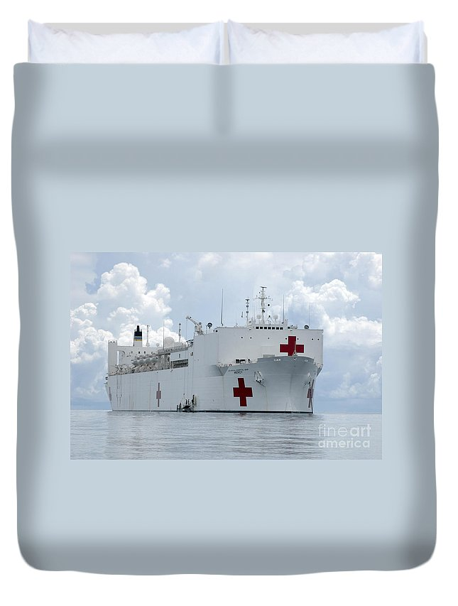 Humanitarian Assistance Duvet Cover featuring the photograph U.s. Naval Hospital Ship Usns Mercy by Stocktrek Images