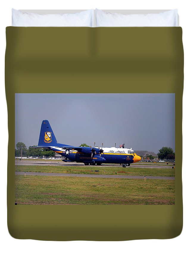 United States Navy Duvet Cover featuring the photograph Us Navy Blue Angels by Victor Alcorn