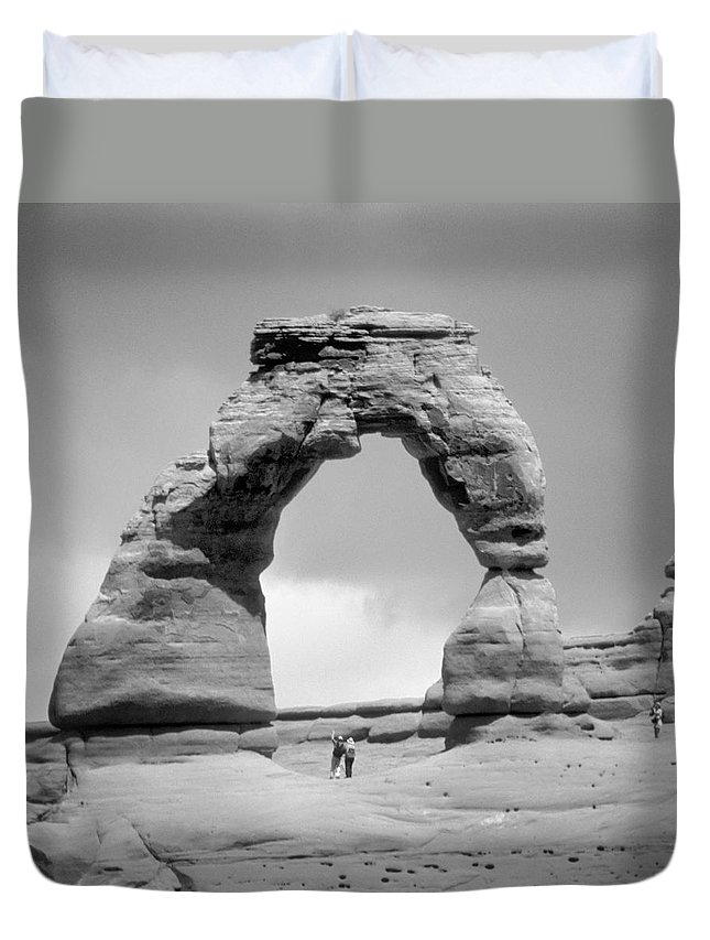Landscape Duvet Cover featuring the photograph Utah Outback 17 by Mike McGlothlen