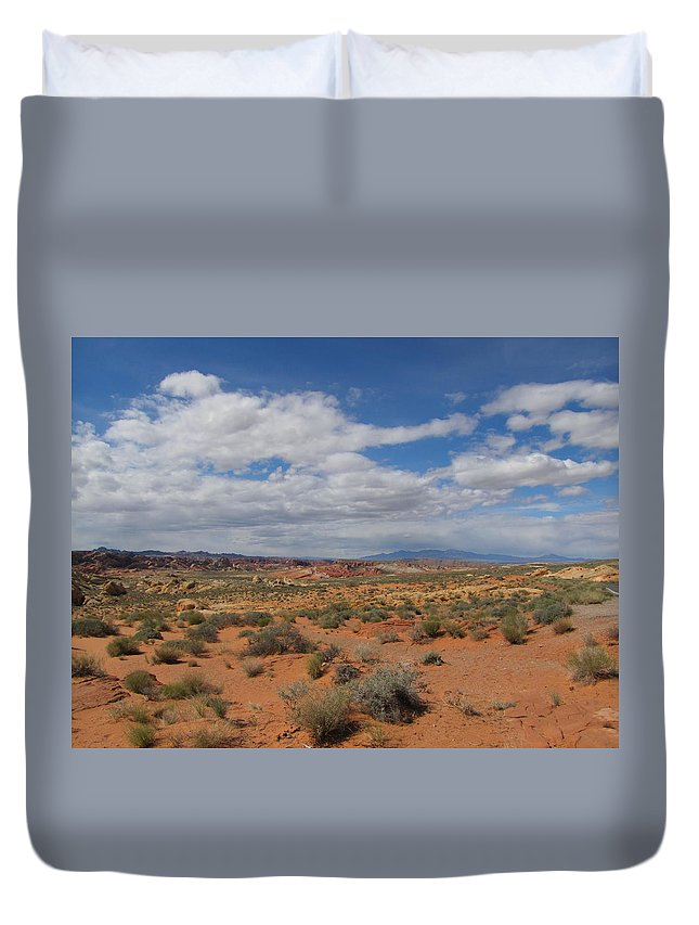 Duvet Cover featuring the photograph Valley Of Fire Horizon by Kelly Mezzapelle