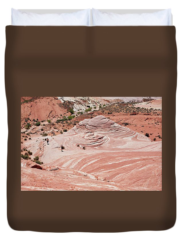 Valley Of Fire Duvet Cover featuring the photograph Valley Of Fire State Park by Marilyn Hunt