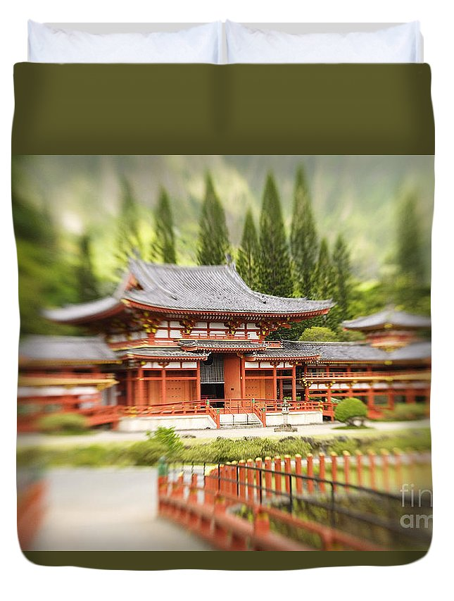 Ahuimanu Valley Duvet Cover featuring the photograph Valley Of The Temples by Ron Dahlquist - Printscapes
