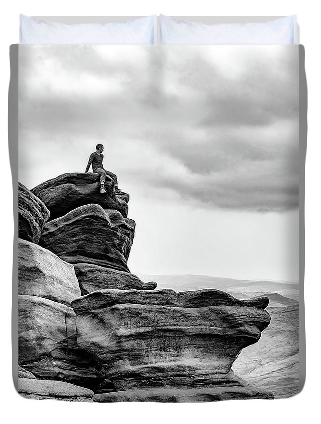 Landscape Duvet Cover featuring the photograph Vantage Point by Nick Bywater