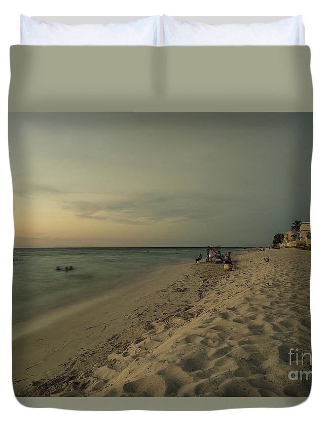 Varadero Duvet Cover featuring the photograph Varadero Ocean by Rob Hawkins