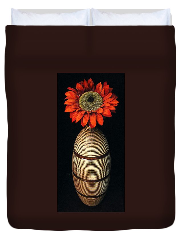 Floral Duvet Cover featuring the photograph Vase II by Ed Smith