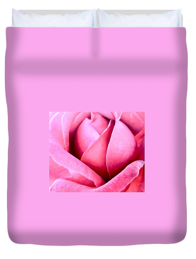 Photograph Of Pink Rose Duvet Cover featuring the photograph Vavavoom by Gwyn Newcombe
