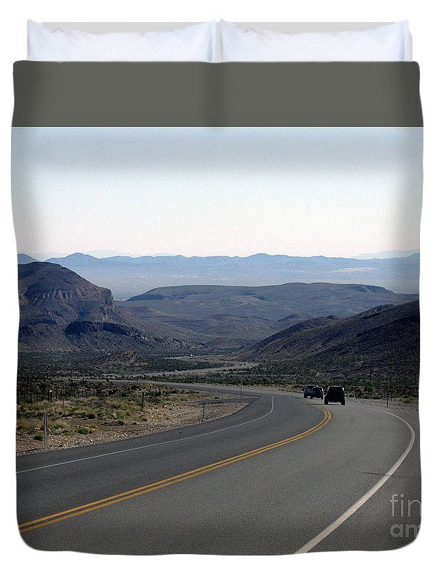 Las Vegas Duvet Cover featuring the photograph Vegas Bound by Kelvin Booker