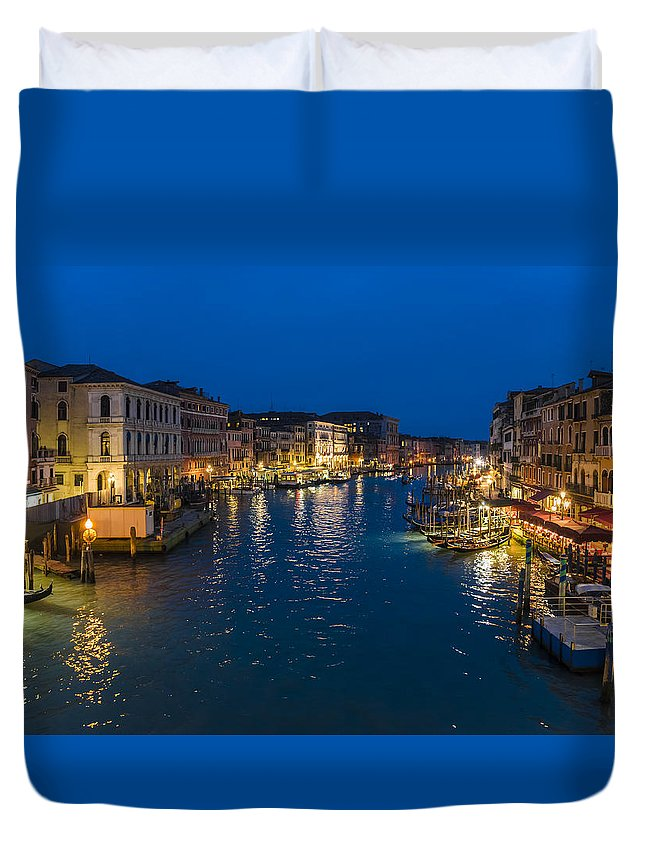 Duvet Cover featuring the photograph Venice And The Grand Canal In The Evening by Riccardo Zimmitti