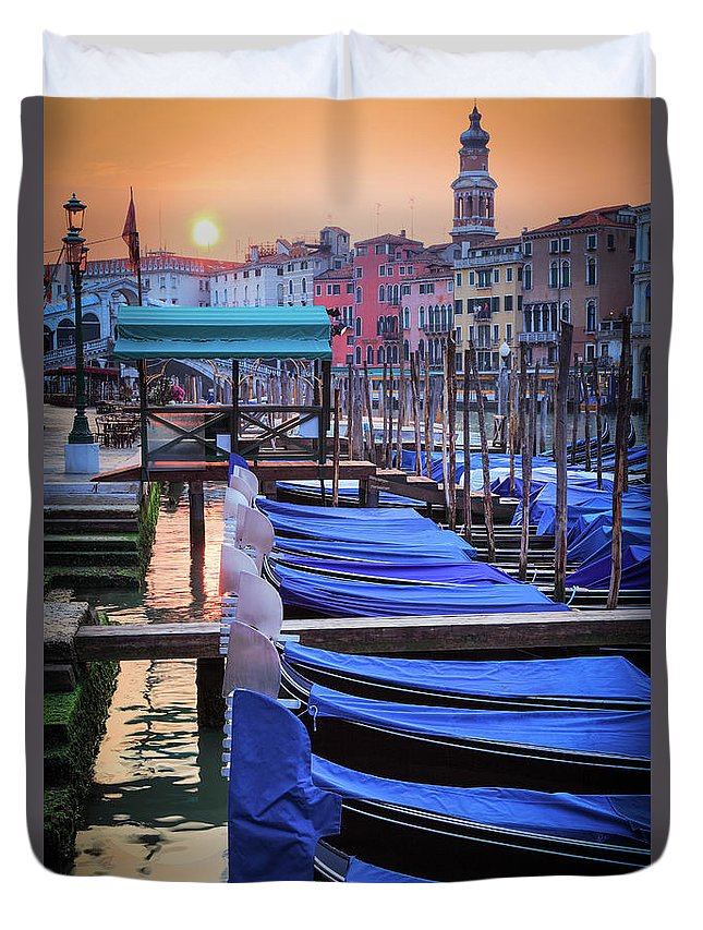 Canal Grande Duvet Cover featuring the photograph Venice Sunrise by Inge Johnsson