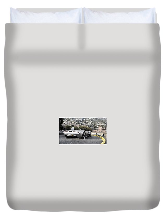 Veritas Rs Iii Duvet Cover featuring the digital art Veritas Rs IIi by Dorothy Binder