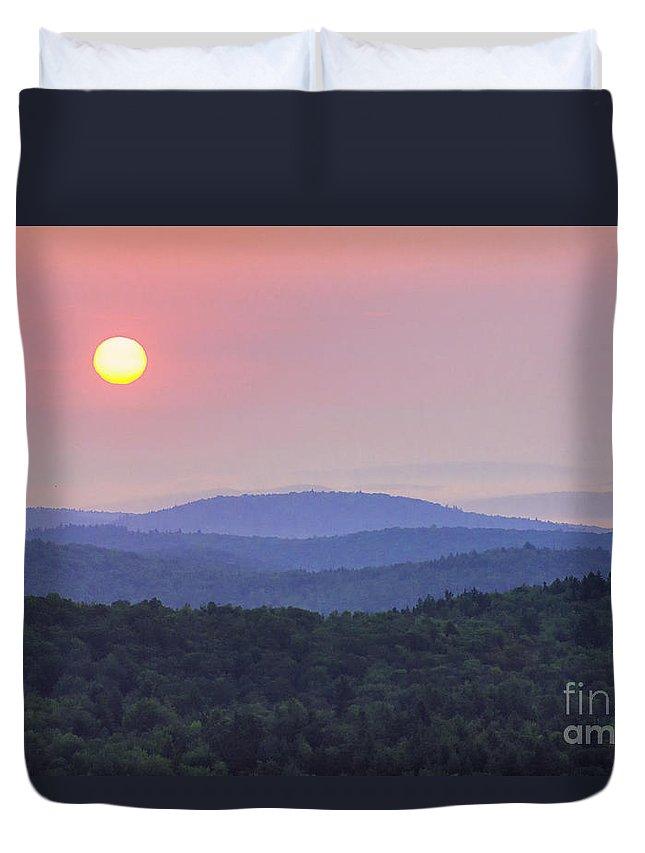 Art Duvet Cover featuring the photograph Vermont Sunrise by Joe Geraci
