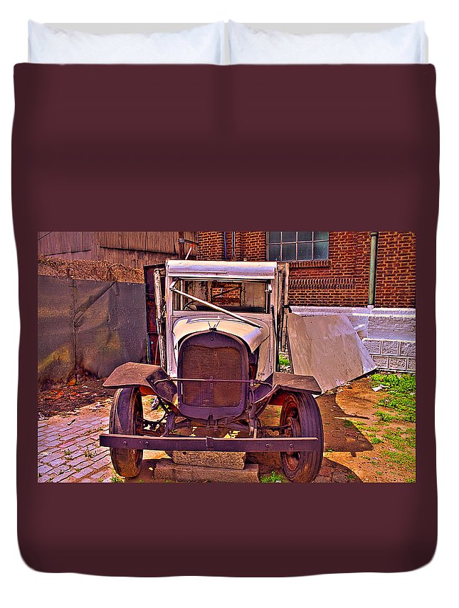 Cars Duvet Cover featuring the photograph Very Classic by Francisco Colon