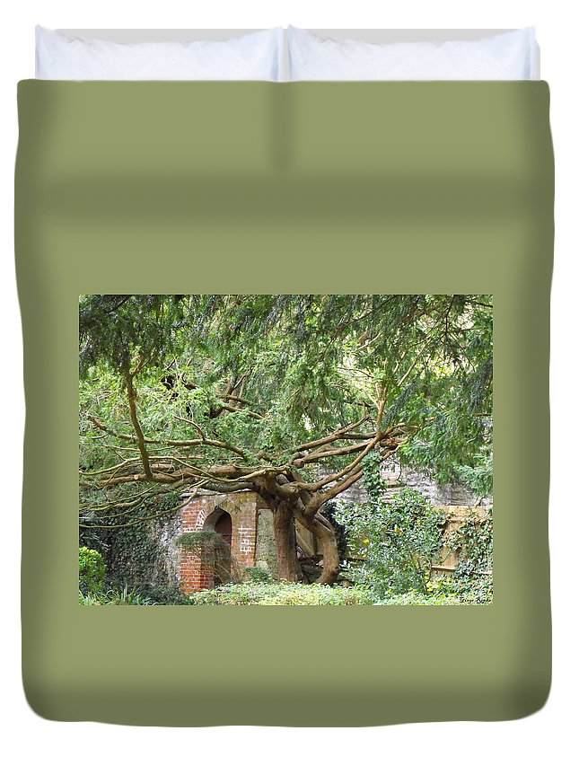 World Peace Garden Duvet Cover featuring the photograph Vigilant Dancers by Ginger Repke