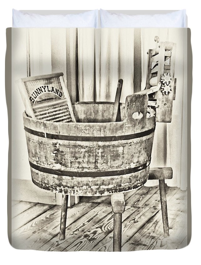 Vintage Laundry Tub And Wash Board Duvet Cover