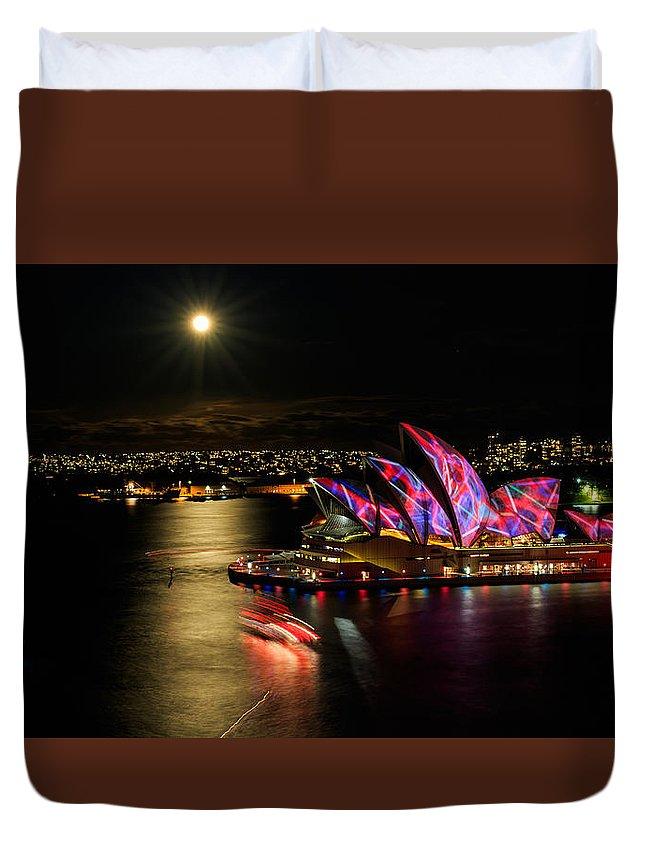 Vividsydney2015 Duvet Cover featuring the photograph Vivid Sydney Under Full Moon by Sandy Eveleigh