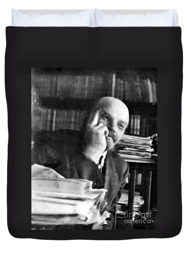 1920 Duvet Cover featuring the photograph Vladimir Lenin (1870-1924) by Granger