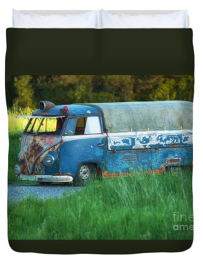 Antique Duvet Cover featuring the photograph Volkswagen Bus by Allan Wallberg