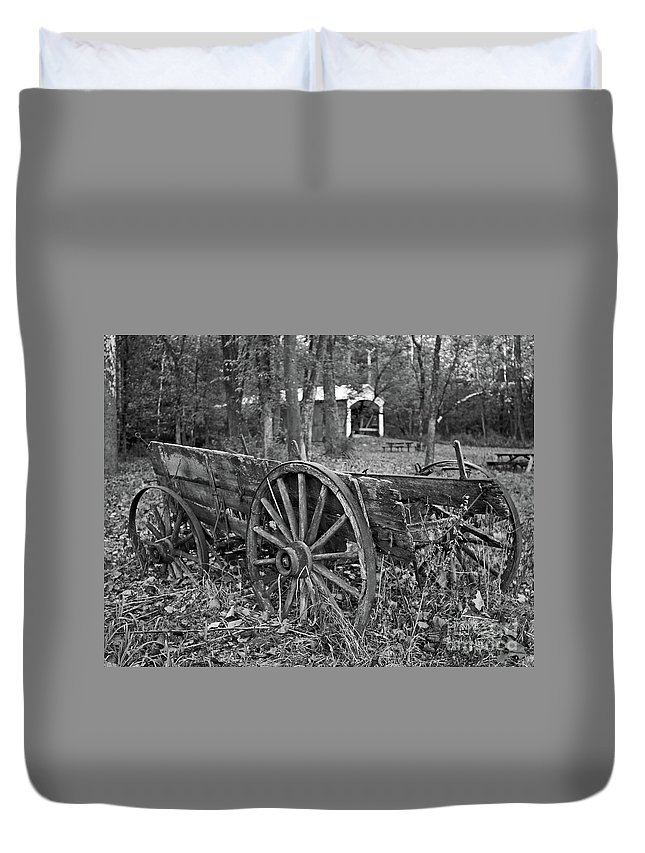 Wagon Duvet Cover featuring the photograph Wagon In The Woods by Steve Gass