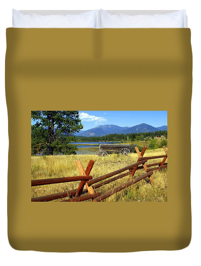 Landscape Duvet Cover featuring the photograph Wagon West by Marty Koch