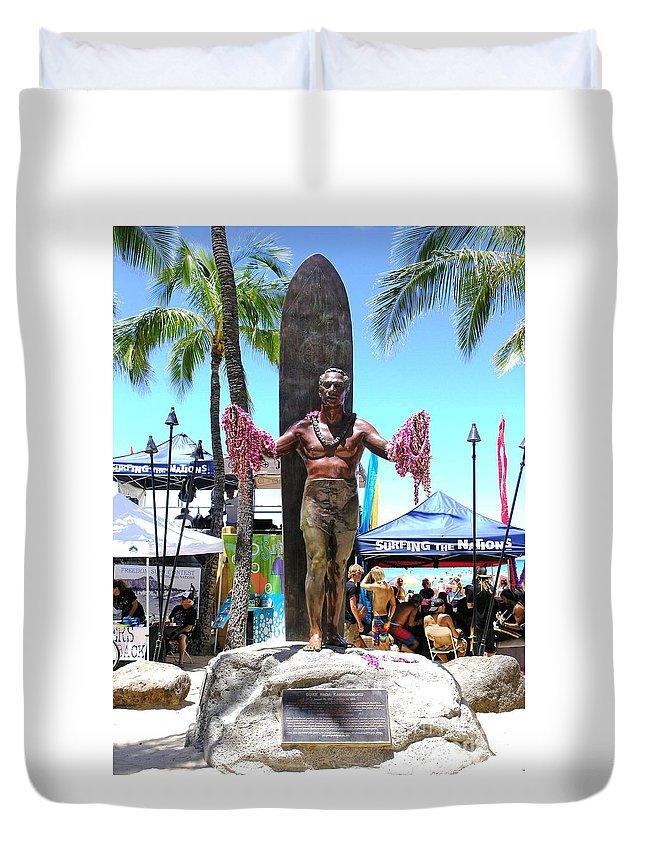 Statues Duvet Cover featuring the photograph Waikiki Statue - Duke Kahanamoku by Mary Deal