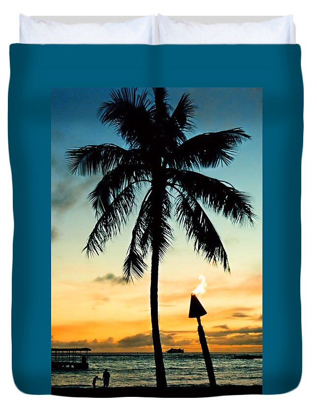 Hawaii Duvet Cover featuring the photograph Waikiki Sunset by DJ Florek