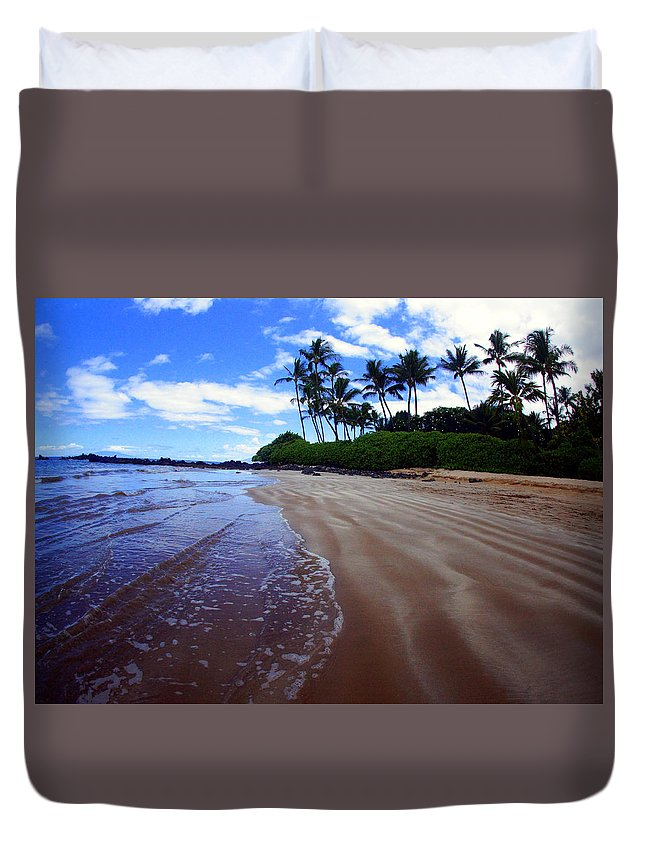 Duvet Cover featuring the photograph Wailea Beachscape by Todd Hummel