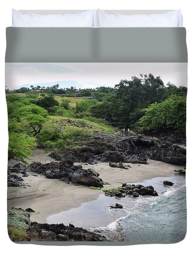 Hawaii Duvet Cover featuring the photograph Wai'ula'ula by Pamela Walton