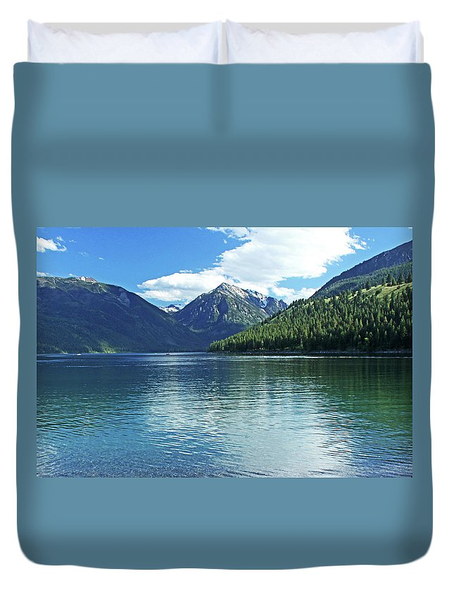 Landscape Duvet Cover featuring the photograph Wallowa Lake Oregon by Ira Marcus