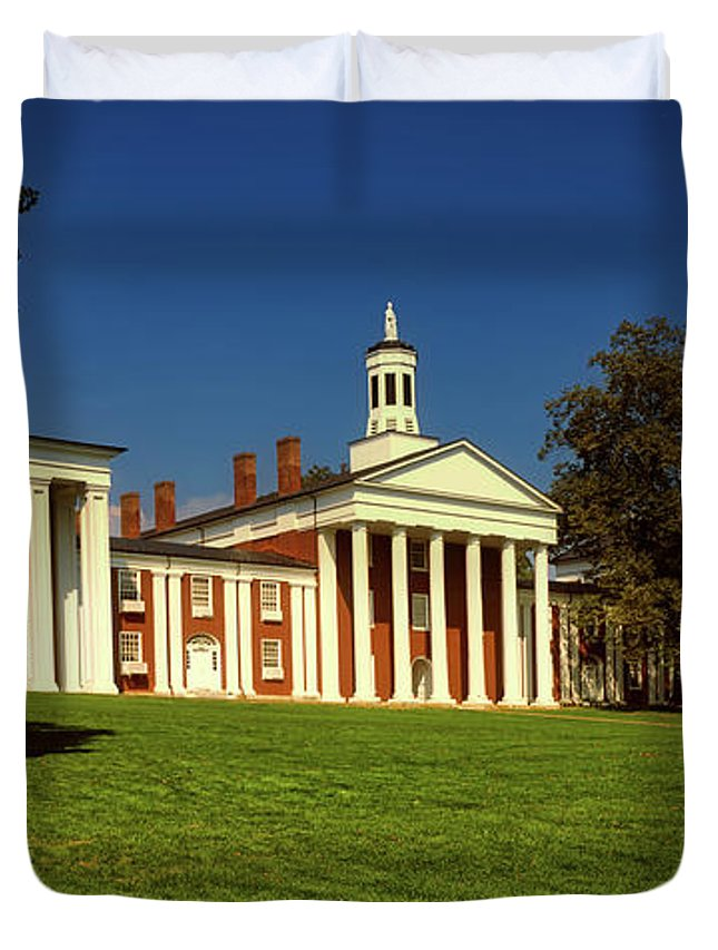 Lexington Duvet Cover featuring the photograph Washington And Lee University by Mountain Dreams