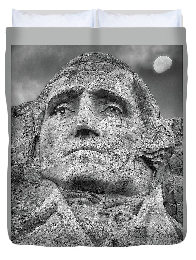 B+w Duvet Cover featuring the photograph Washington And Setting Moon Bw by Jerry Fornarotto