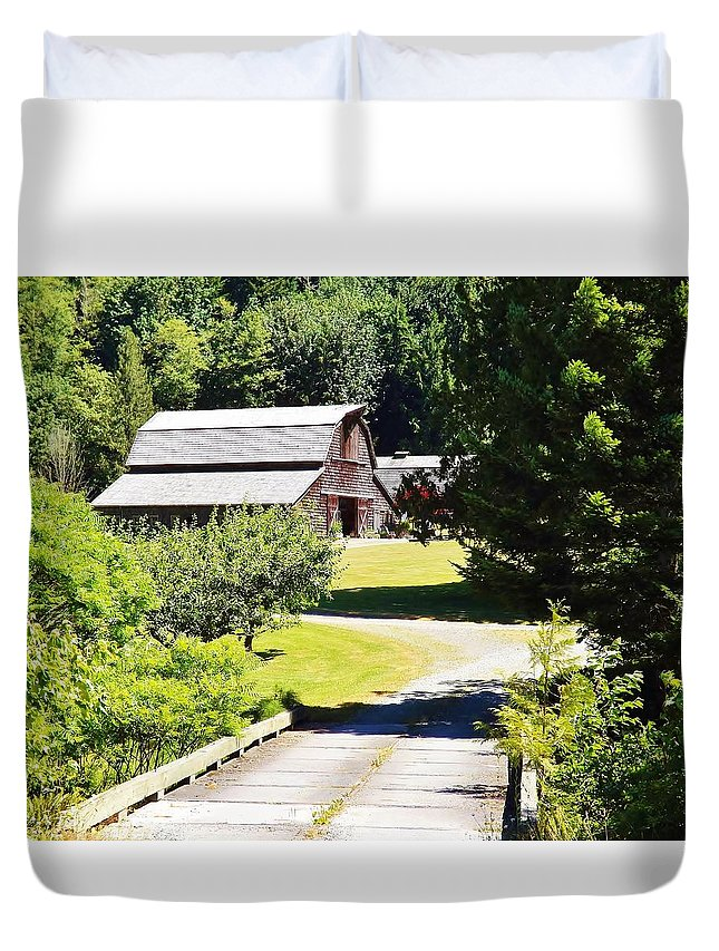 Washington Duvet Cover featuring the photograph Washington Country Barn by Cherie Cokeley