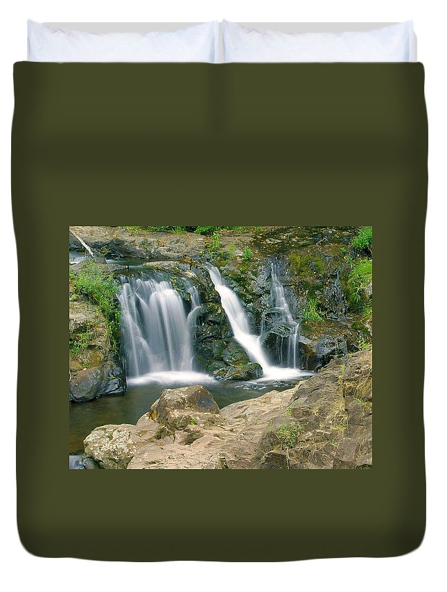 Waterfall Duvet Cover featuring the photograph Washington Falls 3 by Marty Koch