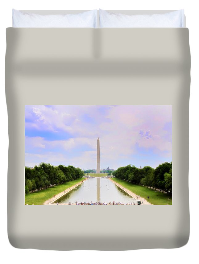 Washington Monument Duvet Cover featuring the photograph Washington Monument And Reflecting Pool by Bill Cannon