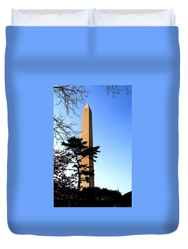 Washington Duvet Cover featuring the photograph Washington Monument At Dusk by Douglas Barnett